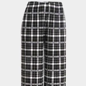 Pants - Black Plaid Pleated Culotte Pants
